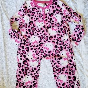 Hello Kitty Women's 2 pc Warm Winter Pajamas L